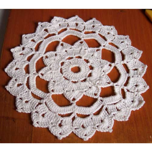 Crochet Doily Patterns Free For Beginners : BEGINNER DOILY PATTERNS Free Patterns